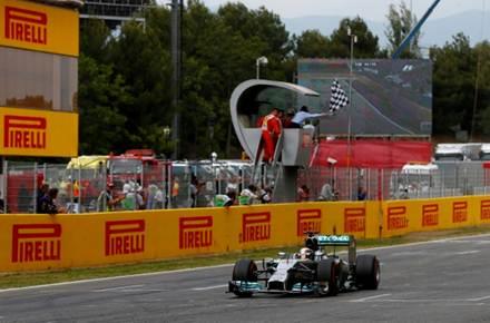 Vitoria de Lewis Hamilton@foto by Pirelli