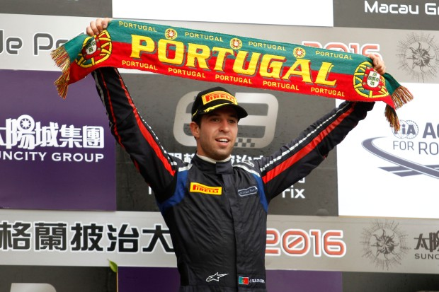 Podium: Race winner Antonio Felix da Costa (PRT) Carlin Dallara Volkswagen. 20.11.2016.
